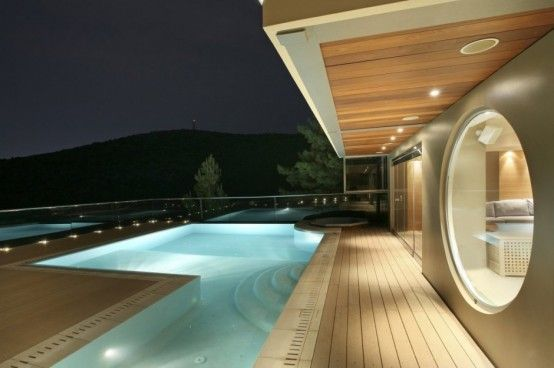 Very Stylish Futuristic House Reminding Of A Spaceship