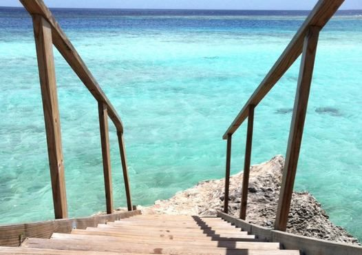 Just a few steps away from happiness :-D #justgo #Aruba