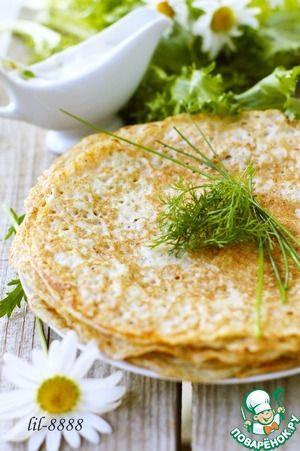 """Блины из сырого картофеля Ингредиенты для """"Блины из сырого картофеля"""": Картофель (250 г) — 3 шт Лук репчатый — 1 шт Чеснок — 2 зуб. Яйцо куриное — 1 шт Мука (стакан 140 мл) — 1 стак. Молоко — 1/2 стак. Вода (кипяток) — 1/2 стак. Соль — 1/2 ч. л. Масло оливковое (или растительное) — 2 ст. л. Перец черный (по вкусу)"""