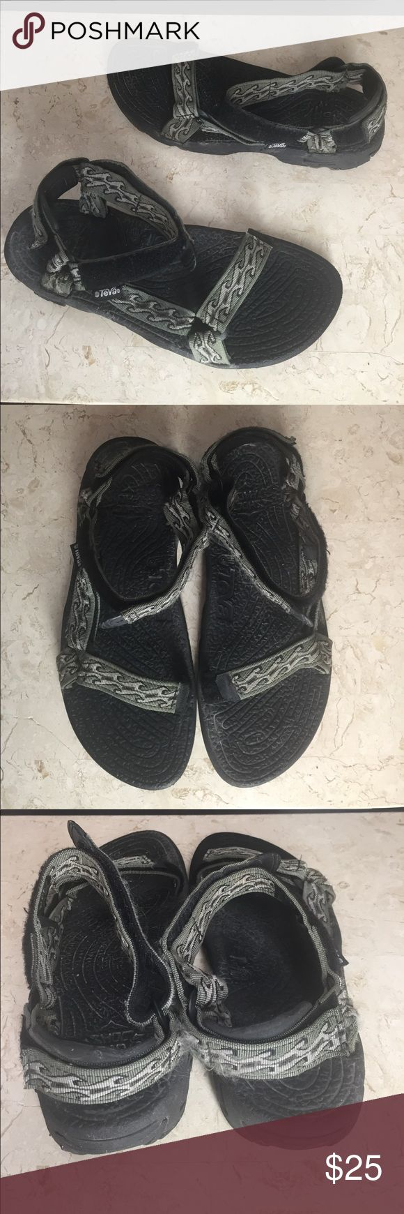 """Teva Water Sandals Mens 11 Gray Black Wave Design Teva men's waterproof walking/hiking sandals in a gray and black wave design. Men's size 11. Adjustable to custom fit to your feet.   The Insole measures about: 12"""" long 3 7/8"""" at the foot ball  171101-214-MnsBlk3 Teva Shoes Sandals & Flip-Flops"""
