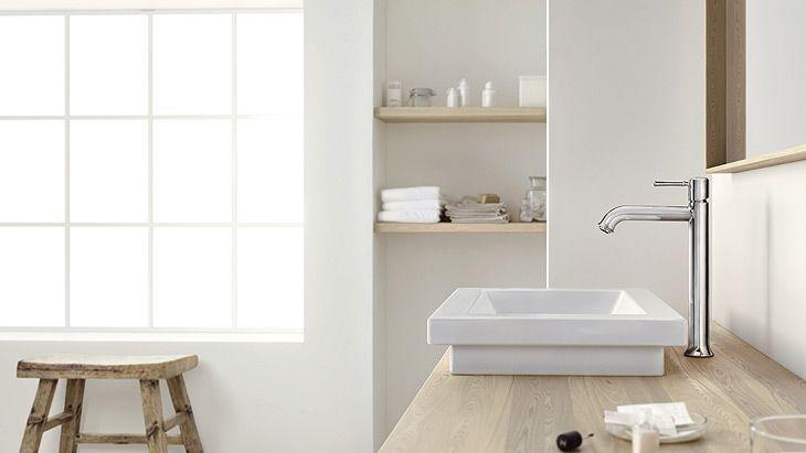 Classic bathroom design: Classically elegant wash basin mixer. #hansgrohe #TalisClassic #Talis