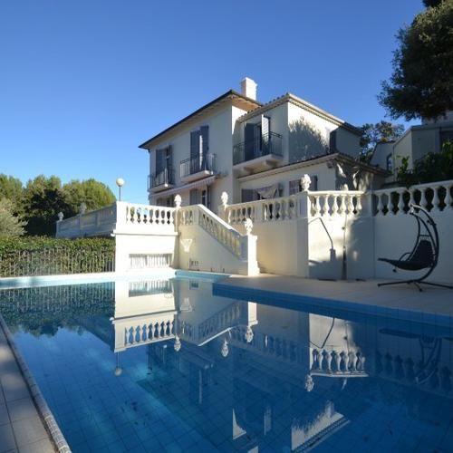 #Exclusivité chez notre partenaire #ModusRealEstate #vente #villa #antibes #piscine #ArtDéco A voir! #Immobilier http://www.evidence-immobiliere.com/immobilier/vente/maison/antibes/annonce_12623788/