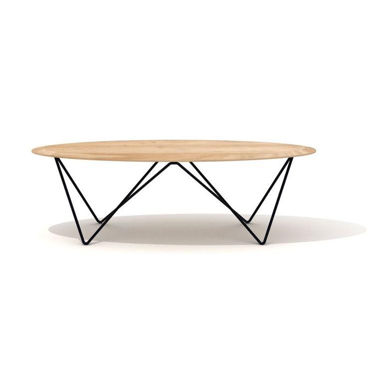 450 EUR payment in 3 times x Idéale dans un salon, la grande table basse Orb, 130 x 60 x 40cm, séduit par son sublime plateau en chêne massif et ses pieds en métal aux lignes graphiques.
