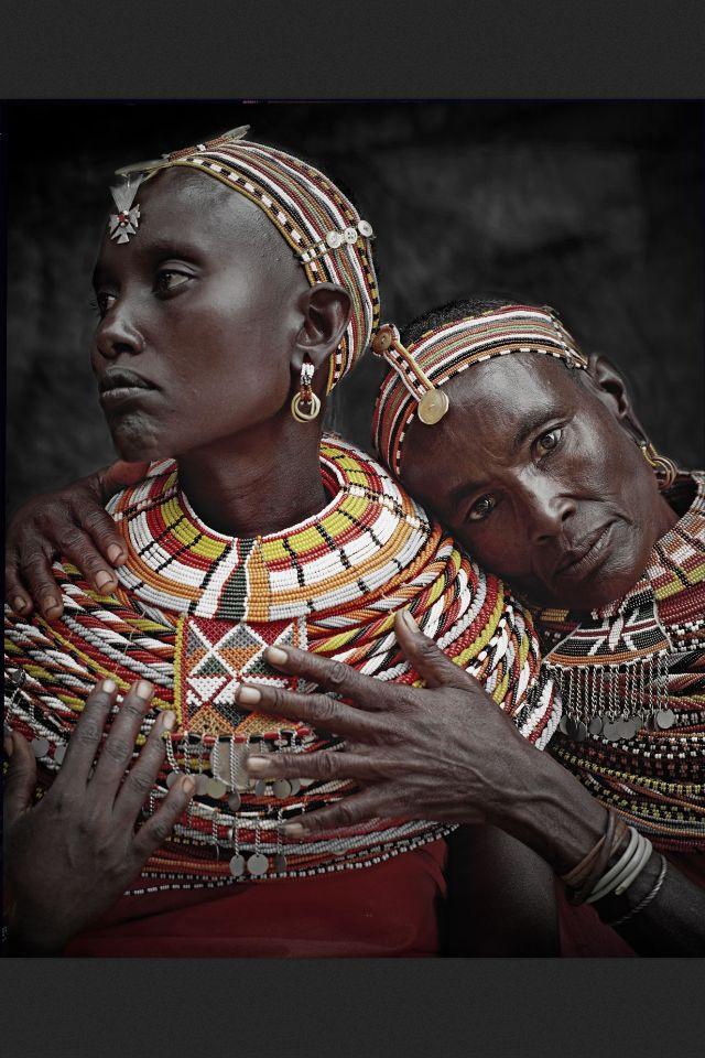 Dans le cadre du premier mois des cultures d'Afrique, Arty-Buzz organise une visite guidée de l'exposition Seydou Keïta au Grand Palais le samedi 7 mai 2016 à 17H. Tarifs promotionnels:   Adulte : 25€ -25 ans : 20€  Réservation obligatoire: http://www.arty-buzz.fr/reservation-2/  www.arty-buzz.fr