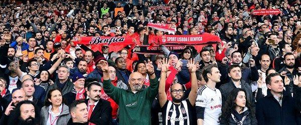 Beşiktaş taraftarı sessiz tezahürat ile tarihe geçti
