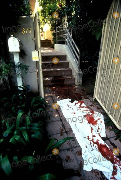 Ron Goldman Murder | Andrew Taylor, Nicole Brown Photo - Death Scene of Ronald Goldman and Nicole Brown........SO SAD....SO TRAGIC