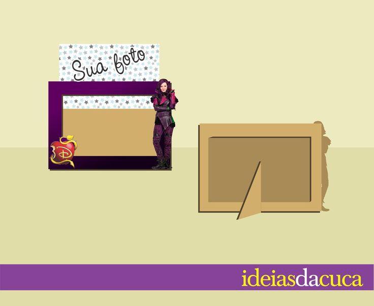 Porta Retrato em MDF com aplique  Para fotos 15x10cm  Tamanho final (fora o aplique) 18x13cm  Base de encaixe removível - pode ser usado com o suporte ou usar como quadrinho na parede (não tem ganchinho, para usar como quadrinho você poderá fixá-lo com fita dupla face - não inclusa)    Fazemos em...