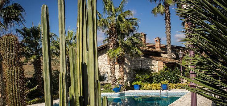 B&B Garden Cactus - B&B Garden Cactus Relais suite de charme - Favara - Agrigento - Sicilia - Immerso in un Giardino Botanico con Piscina