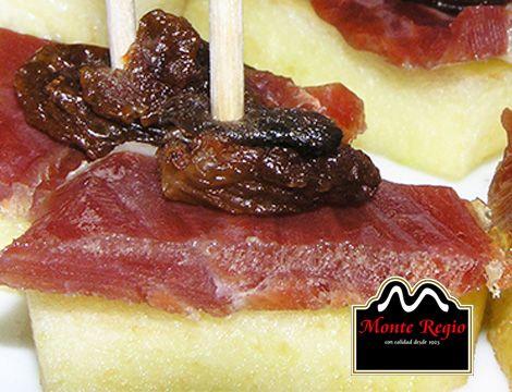 ¡Buenos días!  Compartimos nuestro desayuno mediterráneo con tod@s los amantes del jamón: Melón con pasas e ibérico #MonteRegio ¡Feliz Miércoles!