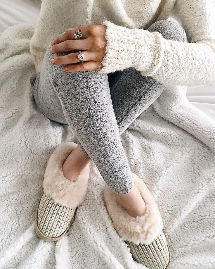 Super cute & cozy, lookin' super dreamy on the cold LA day #ootd #goals