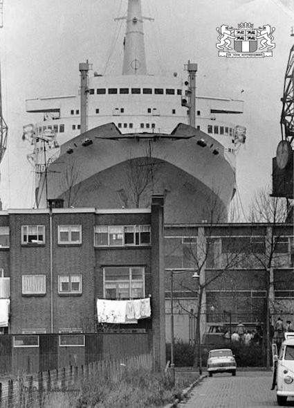 SS Rotterdam in dok