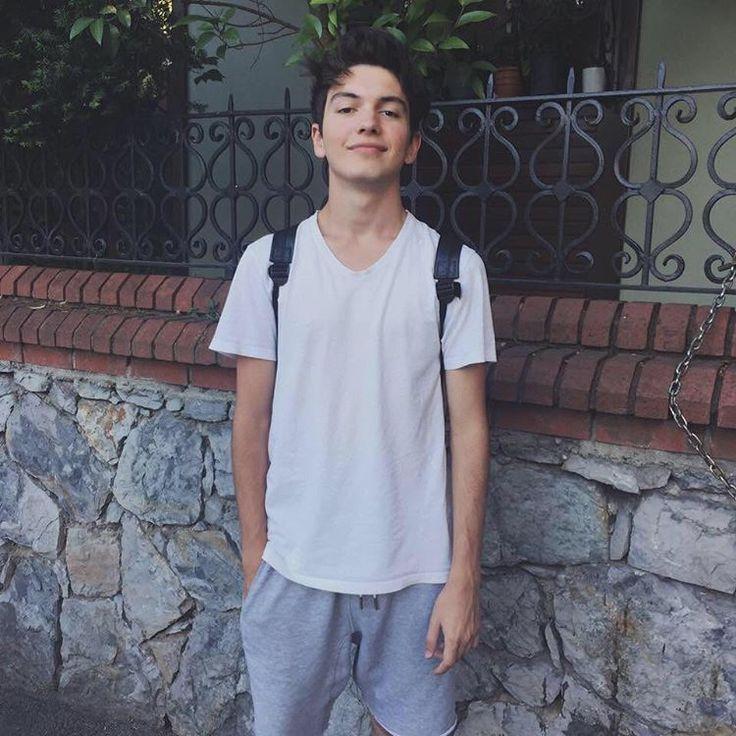 """31.9b Beğenme, 1,210 Yorum - Instagram'da Yusuf Piliç (@yusufpilic.777): """":)"""""""