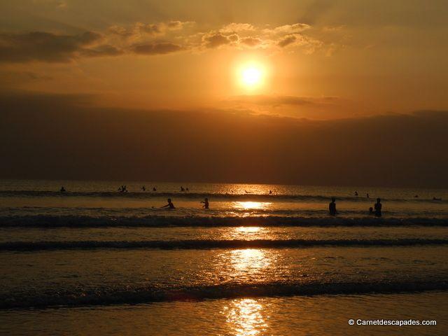 Une journée à Kuta: initiation au surf, balade à cheval à cheval, coucher de soleil sur la plage et dîner au Poppie's