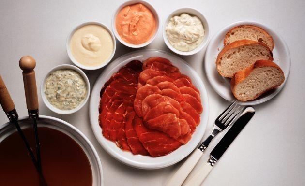 Receita de Molhos para fondue - Aqui você vai encontrar diversas receitas de molhos para fondue de carne e não vai ficar mais em dúvida de qual preparar! .....