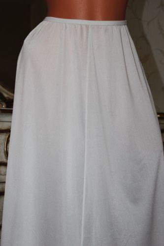 "100(4) St Michael Ivory nylon A line full length ladies half slip waist-22""-34"""