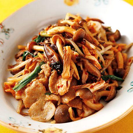 きのこ豚キムチ | 牧野直子さんの炒めものの料理レシピ | プロの簡単料理レシピはレタスクラブニュース