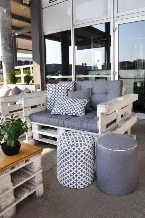 Un canapé d\'extérieur avec accoudoirs à fabriquer avec des palettes ...