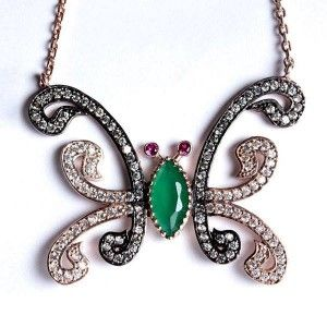 Vav harflerinden olusan kelebek motifli, 925 ayar gümüş bayan kolyesi