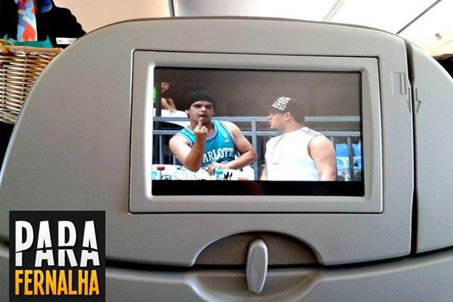 Boa viagem   Vídeos de humor do You Tube br agora nas telinhas da Azul http://www.bluebus.com.br/videos-do-yt-de-rafinha-bastos-e-da-parafernalha-agora-nas-telinhas-da-azul/