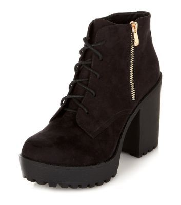 - Lace up fastening- Chunky heel- Zip side fastening- Cleated sole