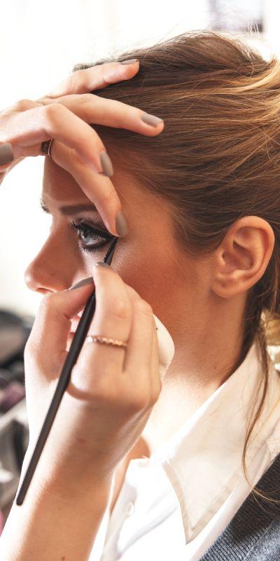 Et privat makeupkurs er perfekt for hun som liker å oppdatere seg på nye trender! En 50 minutters leksjon sammen med en profesjonell makeup artist gir ny inspirasjon.  Gaven inkluderer også produkter for 495kr hun får ta med seg hjem.