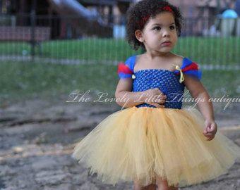 Traje del vestido de azul rojo y amarillo por CassidyChristy
