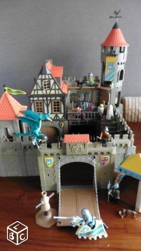 PLAYMOBIL : château fort N° 3666 + accessoires