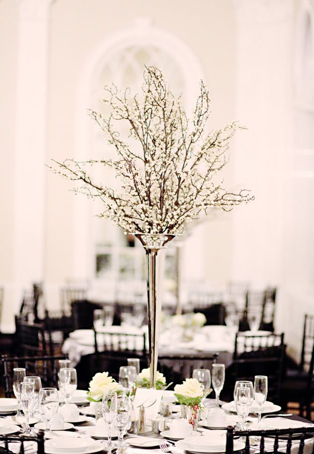 Swooooning over this beautiful black and white decor