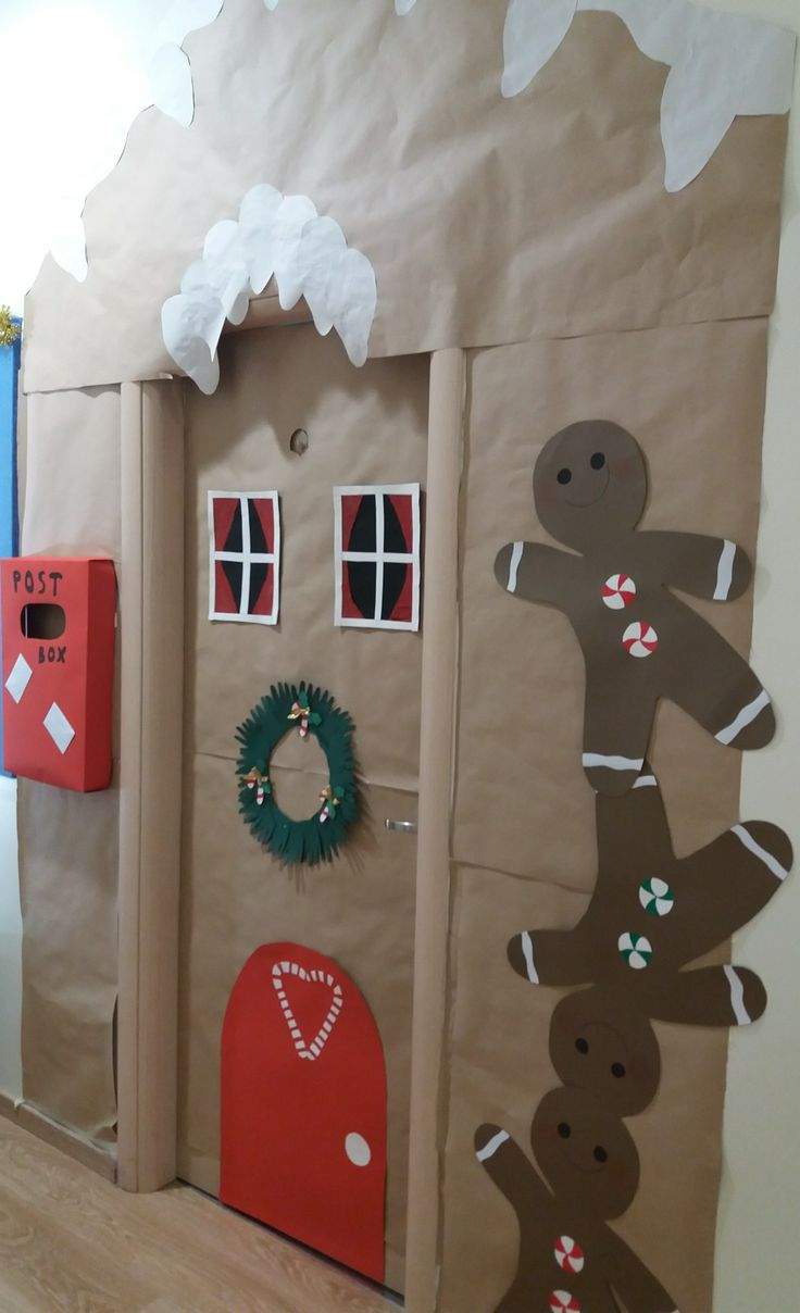 #Christmas #door #school #classroom #biscuit #snow #red #box #window #heads
