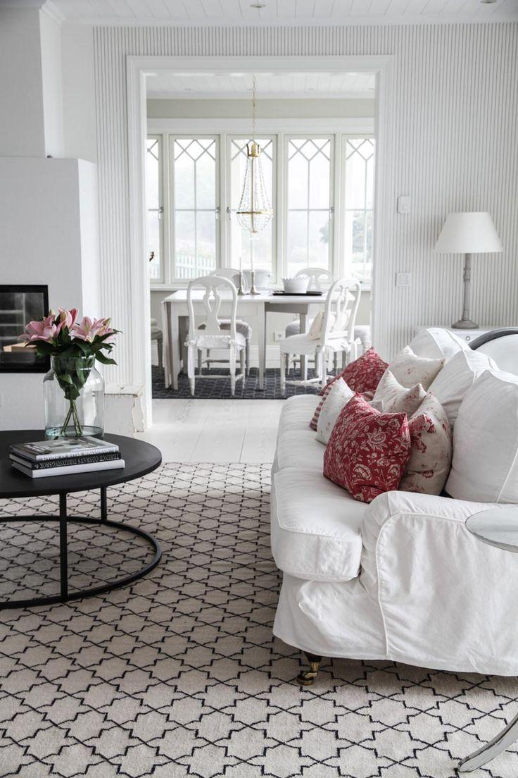 cabbages roses atelje matilde kuddfodral french toile raspberry matilde co handla. Black Bedroom Furniture Sets. Home Design Ideas