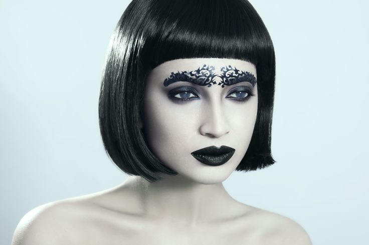 #fatimanasir #beauty #makeup #makeupartist #yabycosmetics #kryolan #annabelleswigs #opi #blindlenses #facelace