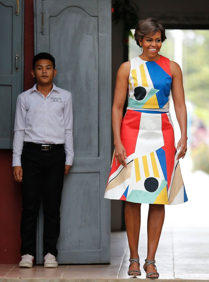 stunning....For Michelle Obama, Girlie Clothes That Lean In - NYTimes.com