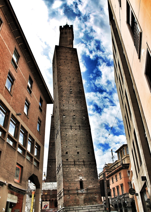 surreal skies surround the due torri in Bologna - one of our favorite cities!