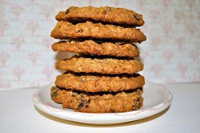 """""""Sorta-Subway®"""" Knock-off Oatmeal Raisin Cookies; Chewy on the inside, crunchy on the edges...mmmm!!"""