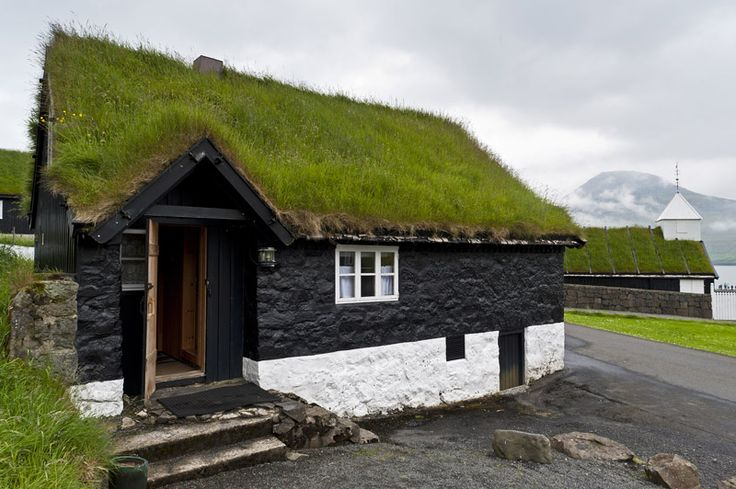 www.organicroofs.co.uk  Design your own green roof