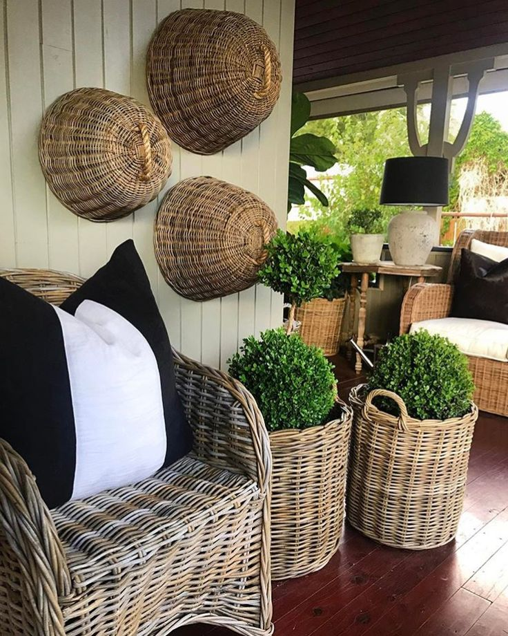 @harolds_finishing_touches we just love your patio featuring our RG Baskets!