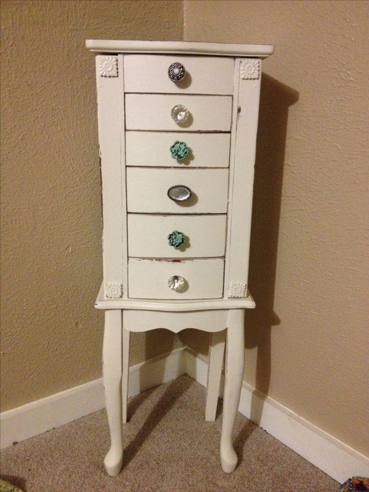 Jewelry box makeover . Chalk paint and Drawer pulls