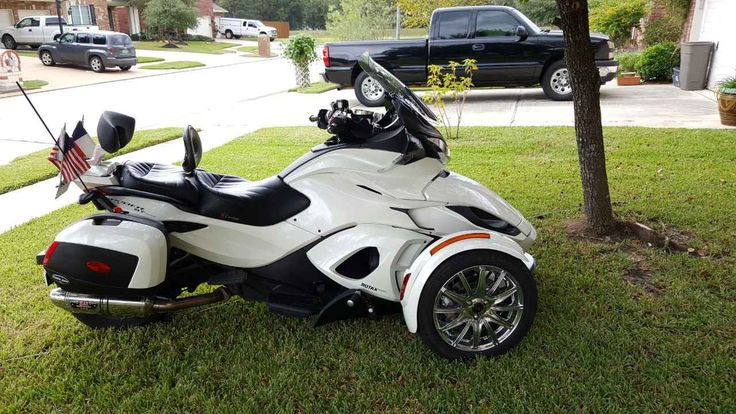 Used 2013 Can-Am SPYDER ST LIMITED Motorcycles For Sale in Texas,TX. Beautiful Pearl White 2013 Can Am Spyder ST Limited SE5. Engine is a Rotax V twin 998cc. Transmission is a 5 speed with a true reverse, unlike Goldwings. It is paddle shifted up or down or you can let the computer do the down shifting if you want. IT IS NOT AN AUTOMATIC! 23,800 miles, mostly long distance touring. Following options installed. Garmin Zumo 660 factory installed. BajaRon anti sway bar, Yoshimura exhaust…