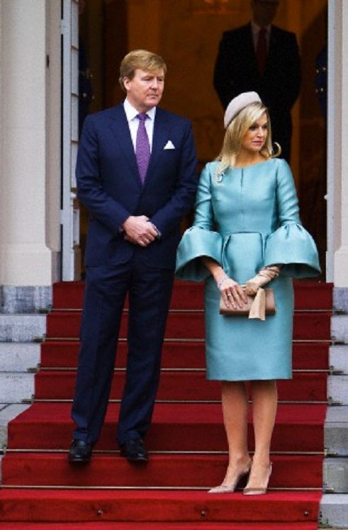 King Willem-Alexander and Queen Maxima of the Netherlands at the welcome ceremony for the French President at Palace Noordeinde in The Hague The Hague, 20.01.14.