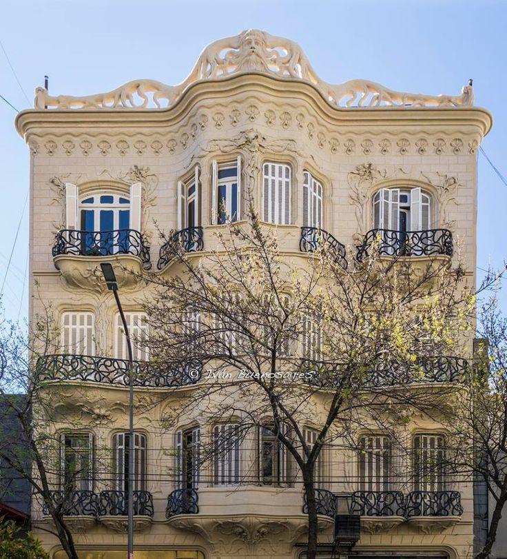 La Casa de Los Lirios