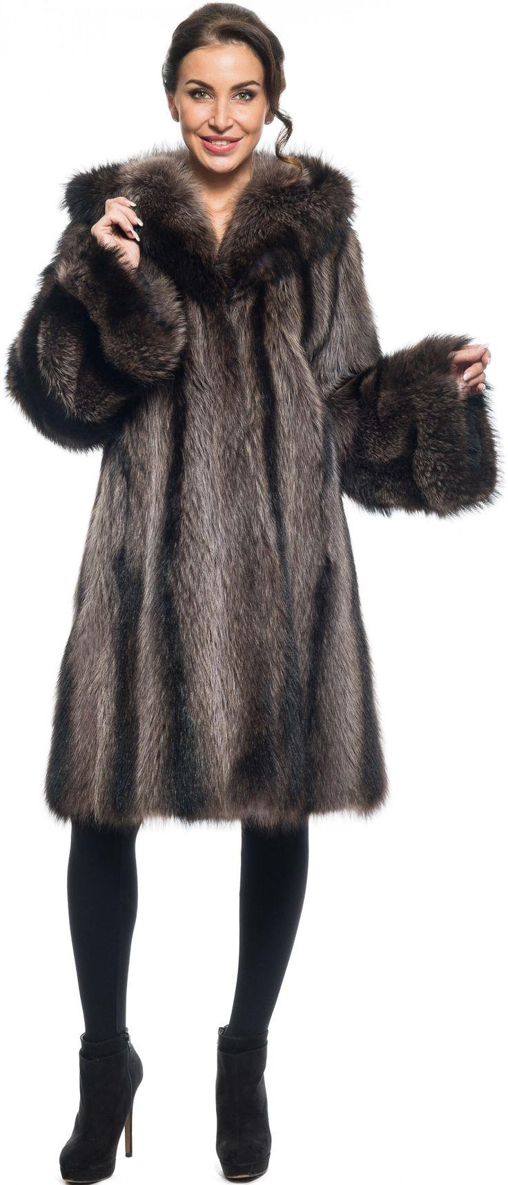 Купить Пальто из меха енота, модель 124529 - Цена 85800