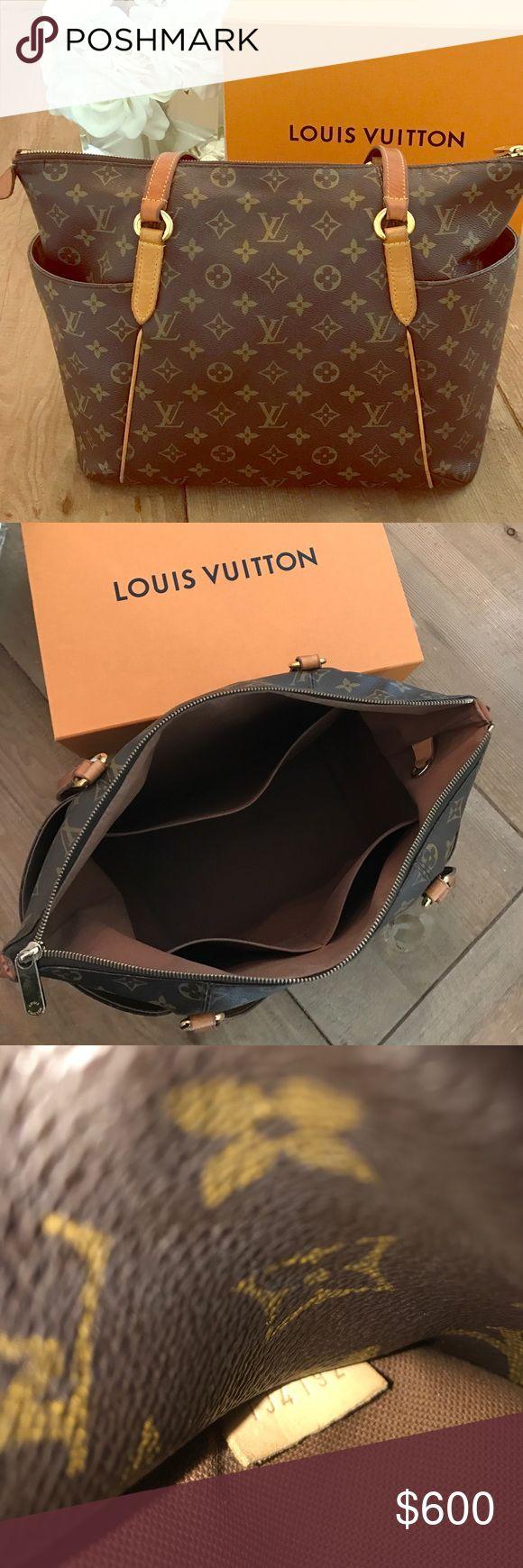 Totally PM Louis Vuitton authentic shoulder bag Authentic Louis Vuitton 'Totally PM' handbag. 13.8x9.4x5.5 Louis Vuitton Bags Shoulder Bags