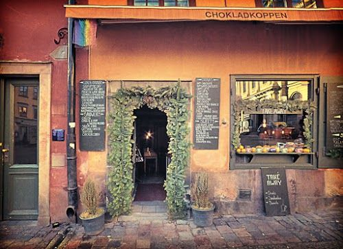With it's rustic charm and cosy surroundings, we'd love to stop off at Chokladkoppen for a cinnamon roll and hot chocolate!   www.papakata.co.uk
