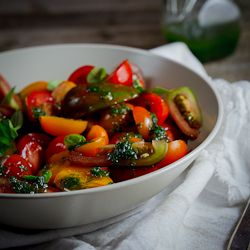 A quick dish! Tomato salad with Basil dressing