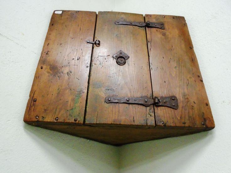 Armadietto angolare prov austria antichit evelina for Mobili wooden art