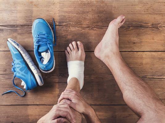 A mozgás számtalan izmot és ízületet vesz igénybe, amiket ha nem készítesz fel megfelelően, akkor szinte elkerülhetetlen a sportsérülés.