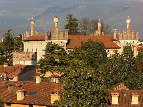 Castello di Thiene by lucageo, via Flickr #InvasioniDigitali il 25 aprile alle ore 11.00 Invasore: Castellothiene