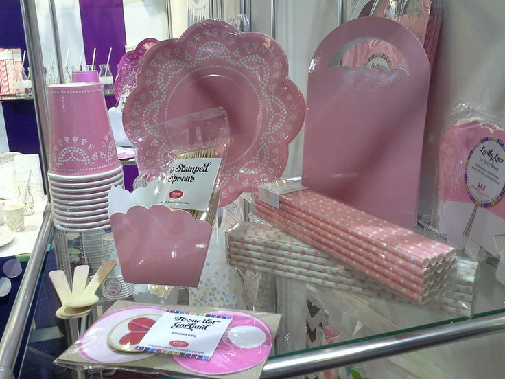 Showcasing the beautiful Lovely Lace collection of partyware from Sundays at the Autumn Gift Fair