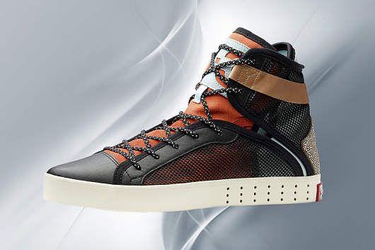Die coolsten Sneakers 2015 Sneaker von Y-3, um 300 Euro - © Shutterstock / PR