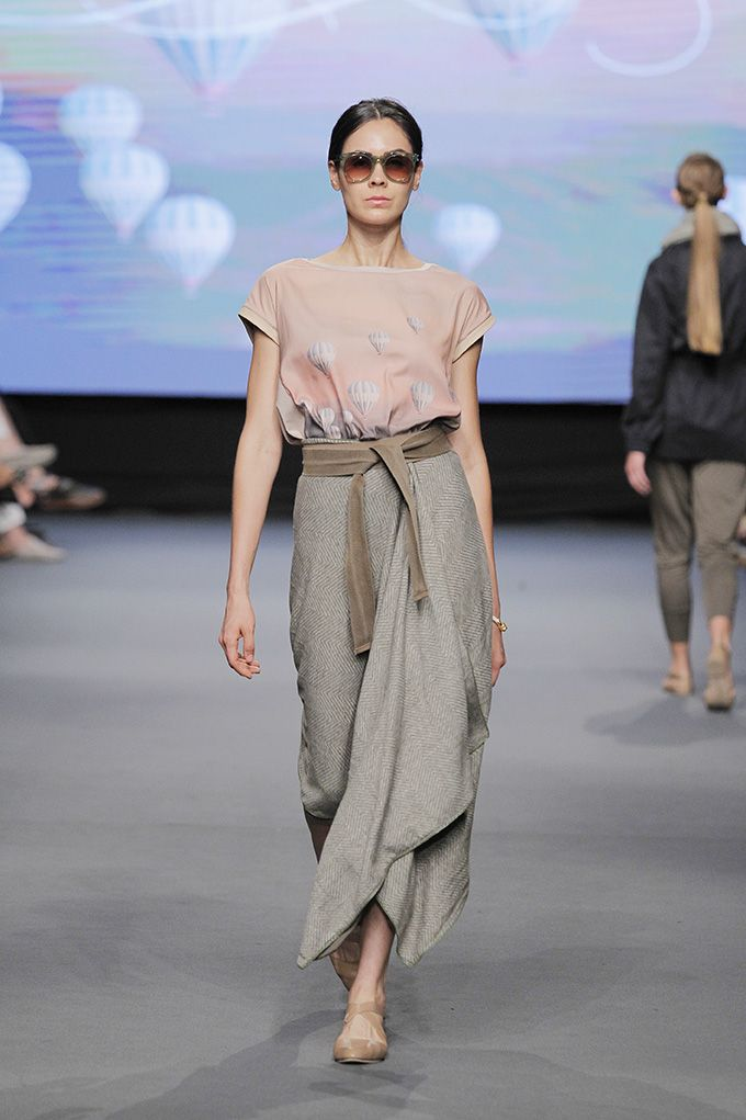 Lima Fashion Week | Johanna Ortiz: Pink Philosophy en LIFWeek OI'15 Runway #Lima #fashion #moda #women #runway #desfile #JohannaOrtiz #Pink Philosophy #lifweek #LIFWeek #limafashionweek | LIFweek OI'15